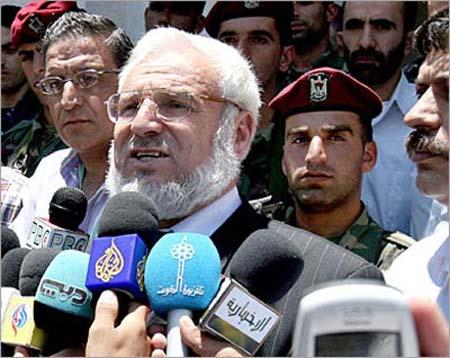 """ישראל עצרה את יו""""ר הפרלמנט הפלסטיני עזיז דוויק"""