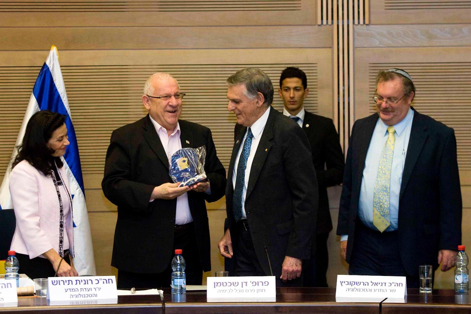 פרופ' דן שכטמן הציב מראה מול פני חברי ועדות המדע והחינוך
