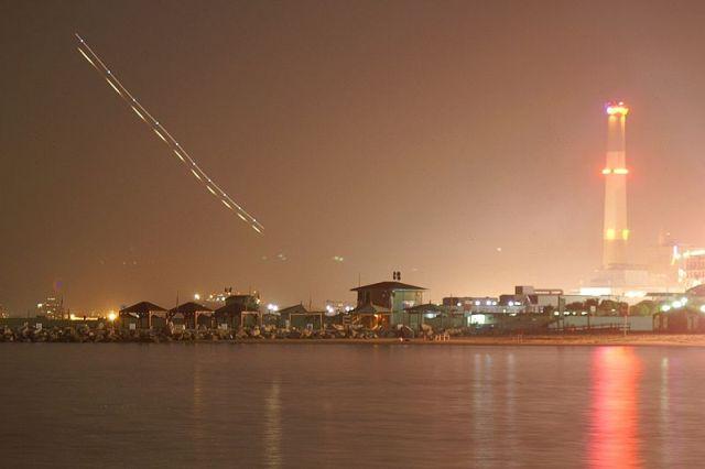 שדה דב. ערפל ואובך שיבשו את הפעילות האווירית. צילום: אורן פלס.