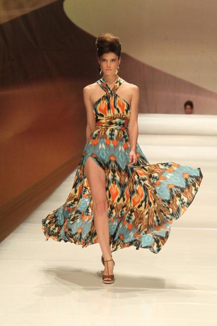 שמלה בהדפס איקט
