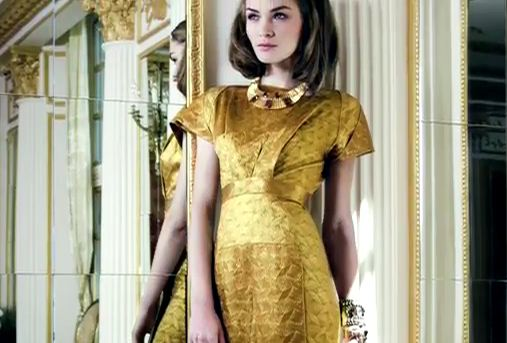 """שמלה """"וואליס"""" מוזהבת של רולאן מורה"""