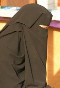 אישה סעודית (Flickr/Retlaw Snellac)
