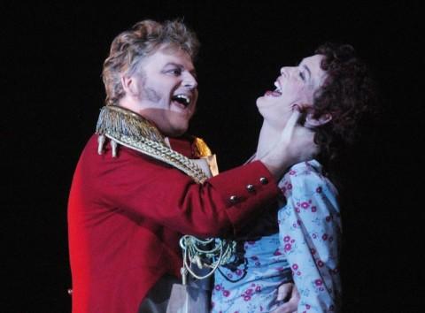 אותלו פוגש את הנסיכה טורנדוט, והבולשוי - את בוריס גודונוב