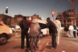 מהגרי עבודה בתל אביב. (צילום: אורלי קאופמן)