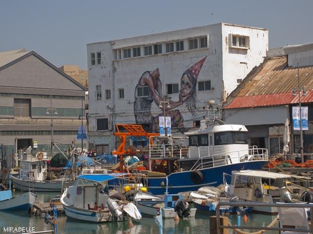 מול מתחם האנגר 2 שבנמל יפו. הקונטיינר נמצאת בצד ימין