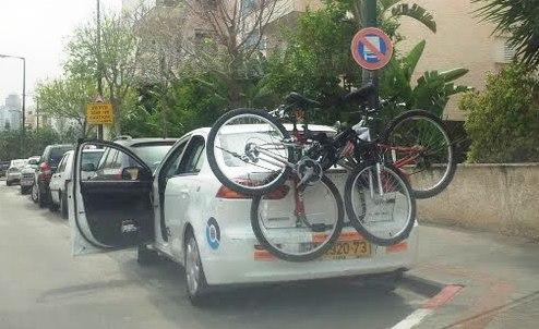 מחברים אופניים למנשא הרכב ויוצאים לטייל