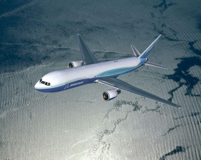 מטוס בואינג 676. חברת בואינג חלק מהיוזמה לפיתוח דלק ביולוגי