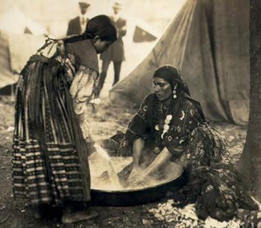 הצוענים- אימת אירופה. תמונה של נשים צועניות מתחילת המאה ה-20