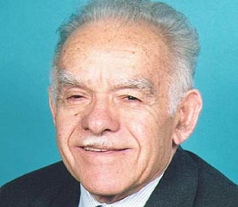 יצחק שמיר הלך לעולמו לאחר מחלה קשה, בגיל 97