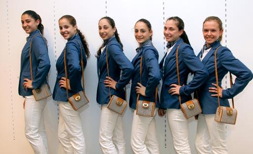 נבחרת ההתעמלות האומנותית במדי אולימפיאדת לונדון 2012. עיצוב: קסטרו
