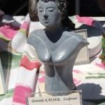 אישה באבן  צילום: עמית מנדלזון