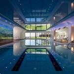 הבריכה בספא במלון השרון