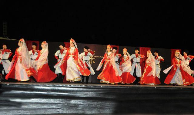 להקת צ'רקסית. שומרים על התרבות בקנאות לאורך השנים