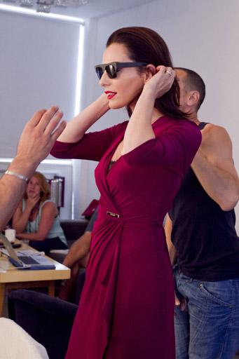 איילת זורר, מאחורי הקלעים של צילומי קמפיין החורף של רשת האופנה גולברי. צילום: לם וליץ