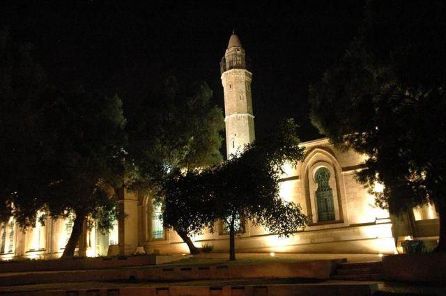 מבנה המסגד בו מוצגת תערוכת הצילומים על תולדות באר שבע. (צילום: מיכל מונטל)