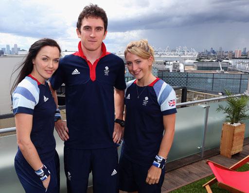 רוכבי האופניים הבריטיים, משמאל לימין: ויקטוריה פנדלטון, ג'ריינט תומס ולורה טרוט. צילום: ADIDAS