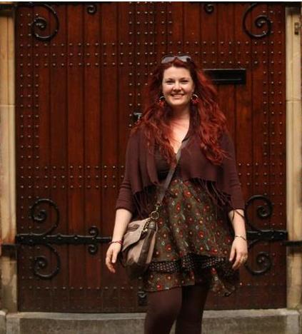 לילי ברושטיין למותג Lilybrush. רטרו אירופאי בשמלת טוניקה משכבות שיפון מקולקציית קיץ-סתיו 2012. צילום: ליטל ברושטיין