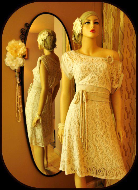 למכור קימונו לסינית: שמלת כלה בגזרת קימונו. תחרה לבנה בניחוח רטרו וחרוזים שזורים בעבודת יד