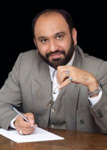 כיצד האיראנים משנים את השם שניתן על-ידי הערבים לתיאור המהפכות העממיות בארצותיהם? הבלוגר האיראני מהדי ח'זעלי (מתוך עמוד הפייסבוק שלו)
