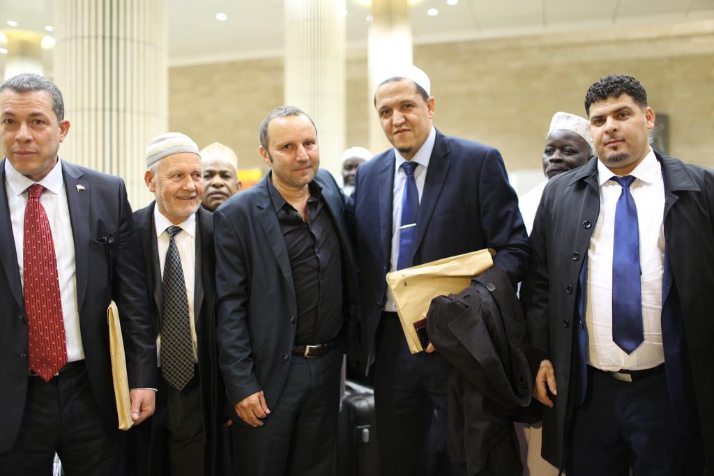 משלחת האימאמים בבואה אתמול לארץ (צילום: VALENTINE BOURRAT, שגרירות צרפת בישראל)