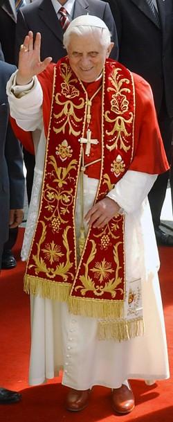 האפיפיור על נישואי הומוסקסואלים: התקפה על ערכי המשפחה