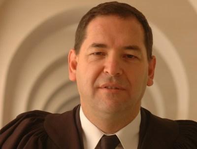 דן יקיר (צילום: יואב לף, ויקימדיה)