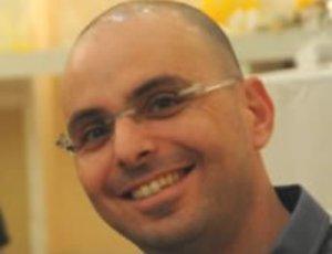 """רוצה את """"חומר הראיות בלי תיווך"""". אלדד יניב (צילום: ויקיפדיה)"""