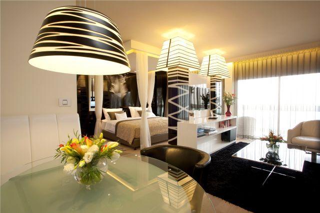 רשת רימונים מוכרת את מלון הדגל גלי כנרת