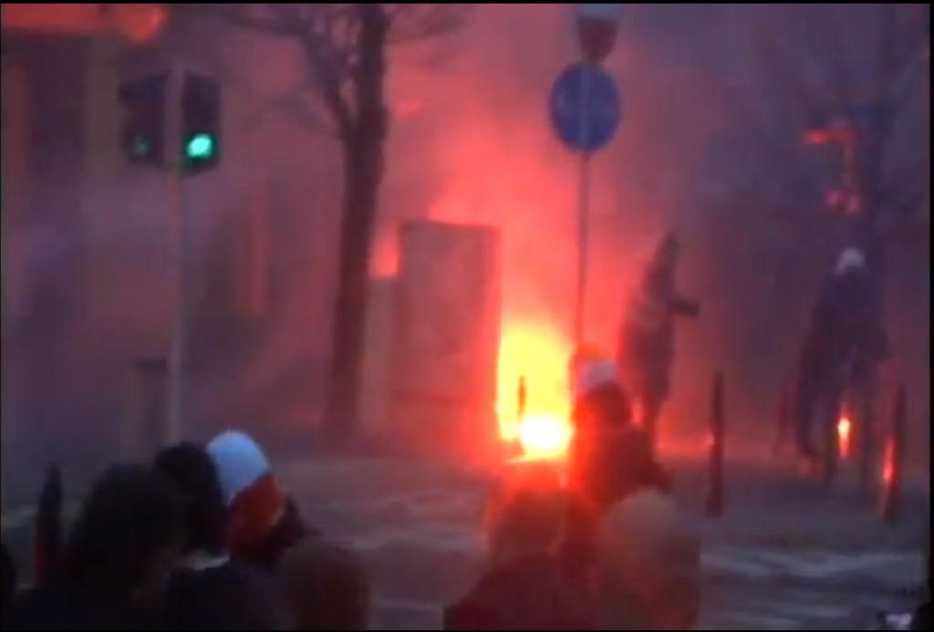 """מהומות של """"המשמר העצמאי"""" בפולין (מתוך סרטון יוטיוב)"""