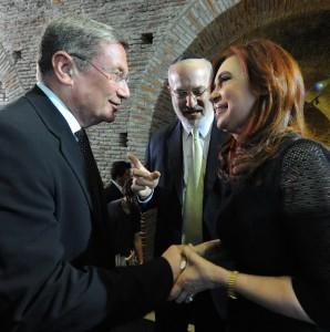 כריסטינה קירשנר נשיאת ארגנטינה, עם אדוארדו אלשטיין ונחוי דנקנר