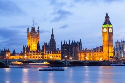 פגיעה בדירוג המושלם של הממלכה (צילום: http://www.freedigitalphotos.net, Vichaya Kiatying-Angsulee)
