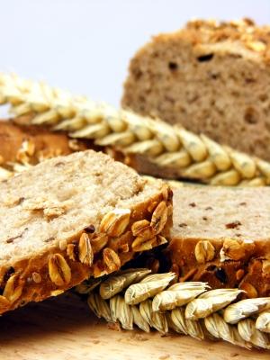 לחם תבואה עשיר ומלא (באדיבות: Grant Cochrane, http://www.freedigitalphotos.net)