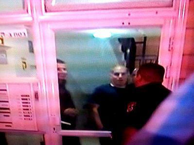 השוטרים ליד הדירה בה בוצע הרצח