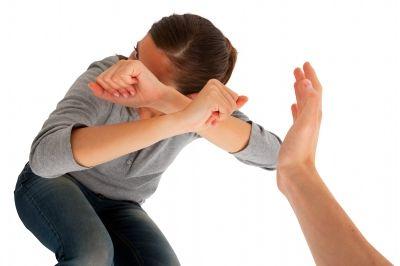 האם אפשר לטפל בזוג שיש בו אלימות?