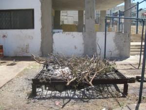 מזבח שומרוני. השומרונים שומרים על המסורת עתיקת היומין, כולל זבח פסח. (צילום: ענת מנדל)