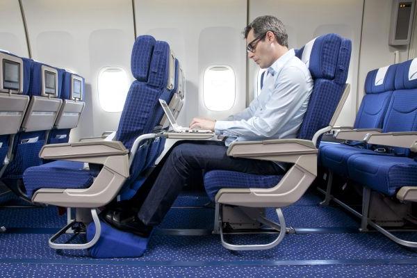 אל על. לבחור מושב ולהגיע במהירות למטוס. צילום: סיוון פרג'