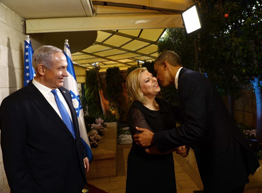 """קבלת הפנים של בני הזוג נתניהו, במעונם הרשמי, לנשיא ארה""""ב אובמה (צילום ארכיון: אבי אוחיון/לע""""מ)"""