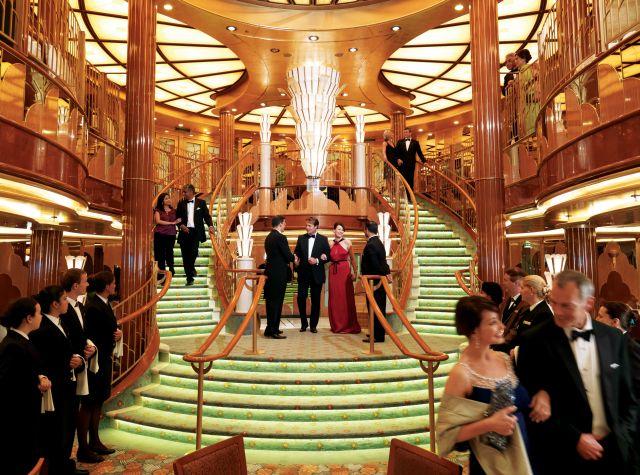 אוניה של קיונרד, עם הדר כמו פעם. נוסדה בתחילת שנות ה-20 של המאה הקודמת, ומתאימה במיוחד לקהל חובב תרבות ואמנות