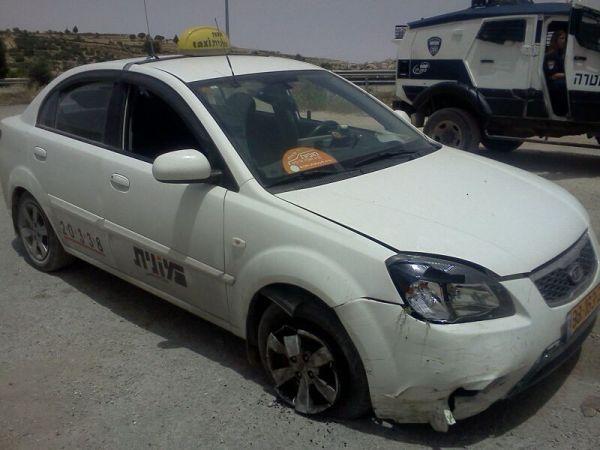 """המונית שנחטפה ואותרה (צילום: שי דוד, מחוז ש""""י במשטרה)"""