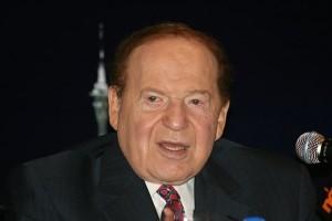 """שלדון אדלסון, יו""""ר ומנכ""""ל חברת התיירות לאס וגאס סאנדס. ינאם בוועידה"""