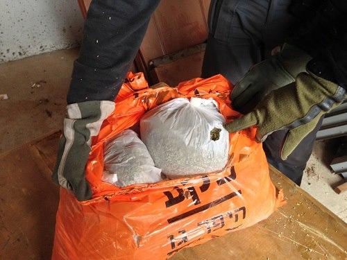 """אהרונוביץ': המשטרה החרימה מאות ק""""ג של סמי פיצוציות"""