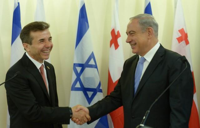 """נתניהו וראש ממשלת גאורגיה: """"לא רק לסמן 'וי' על תחילת המו""""מ"""" (צילום: עמוס בן גרשום/לע""""מ)"""