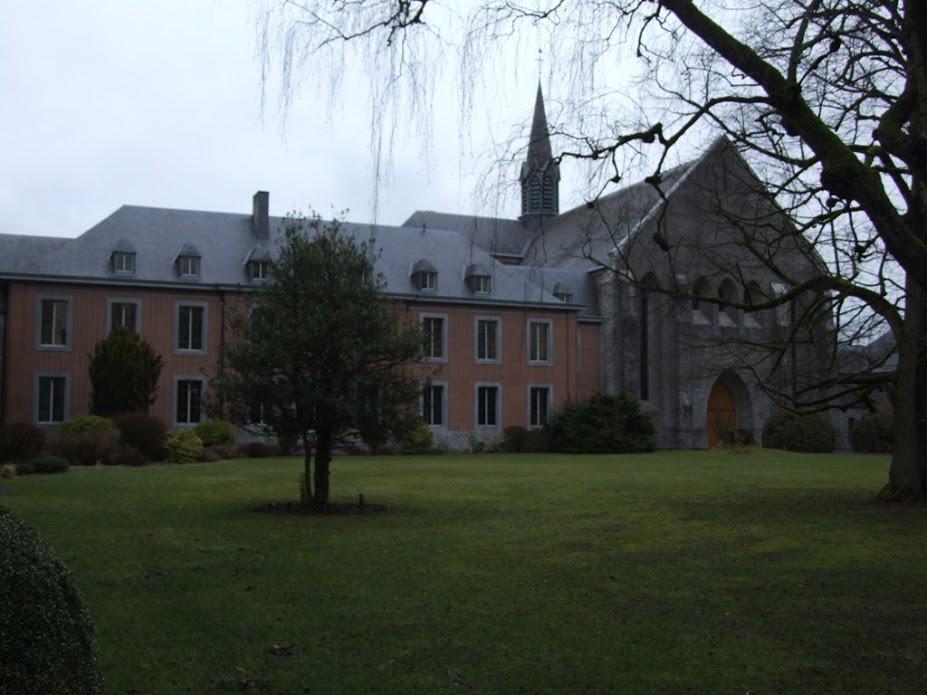 קפיצה לבלגיה: מנזר נוטרה דאם דה סקורמונט