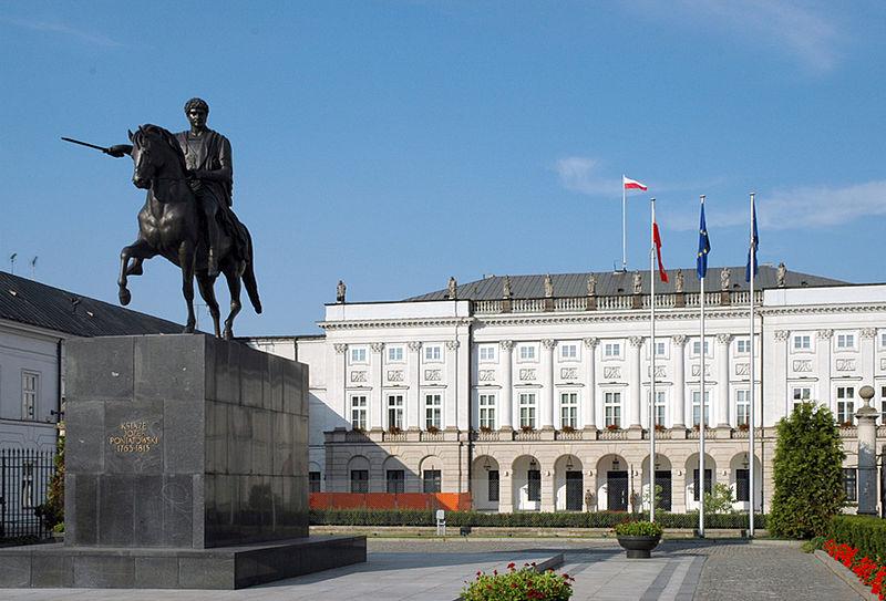ארמון הנשיאות בוורשה, פולין. האם יטרפדו עובדי משרד החוץ את נסיעת ראש הממשלה? (צילום: ויקיפדיה)