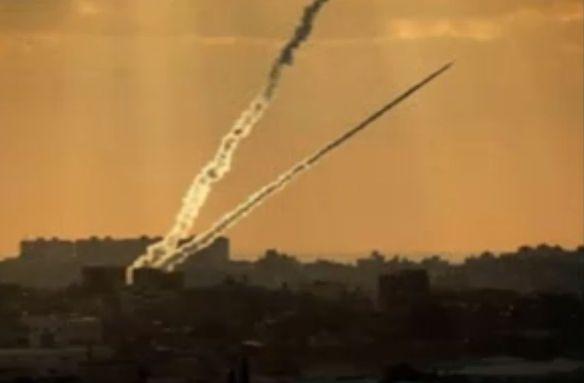 מטח רקטות שוגר מעזה לעבר אשקלון