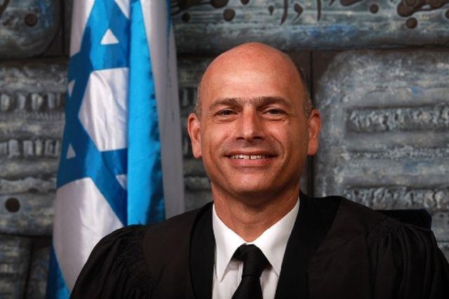 השופט איתן אורנשטיין
