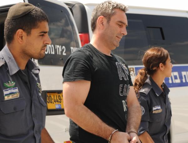 צבטקוביץ מוסגר (צילום: משטרת ישראל)