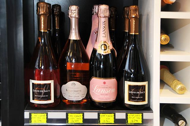שמפניה לכל פועל (צילום: יולה זובריצקי)