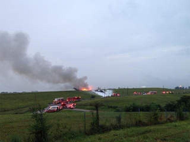 מטוס המטען של UPS עולה בלהבות זמן קצר לאחר ההתרסקות