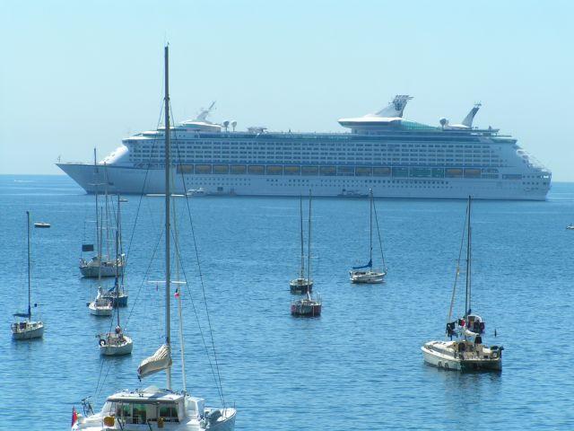 האואזיס אוף זה סיז, מפליגה מברצלונה לפלמה דה מיורקה וניס. (צילום: עירית רוזנבלום)
